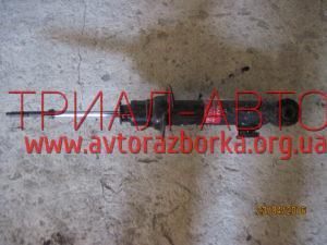 Амортизатор передний на L200 2006-2012 г.в.