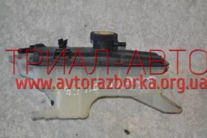 Бачок радиатора на RAV 4 2006-2012 г.в.