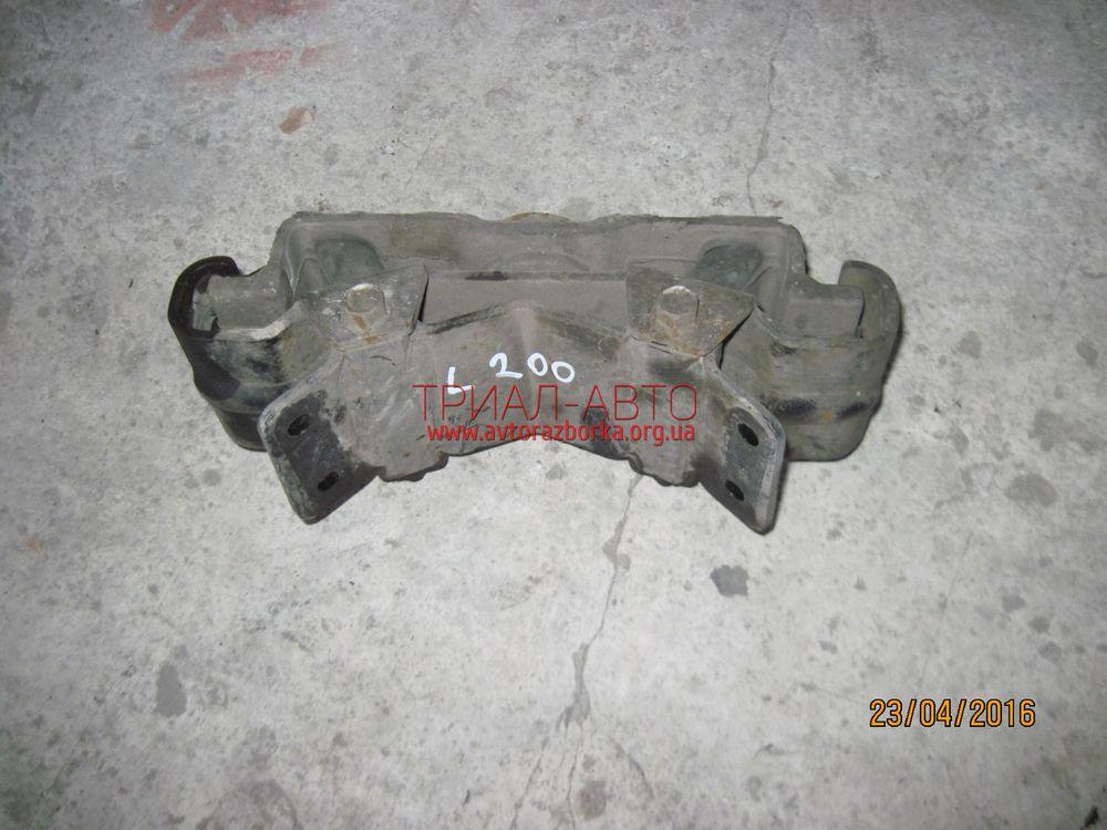 Подушка задняя на L200 2006-2012 г.в.