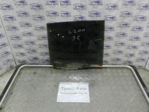 Стекло боковое заднее правое  5736A008 на L200 2006-2012 г.в.