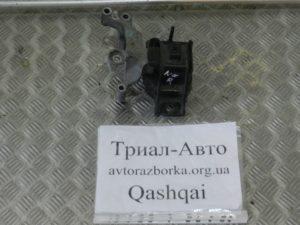 Подушка двигателя правая на Qashqai 2007-2013 г.в.