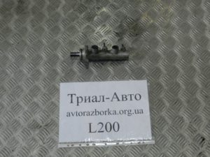 Тормозной цилиндр основной  MN102441 на L200 2006-2012 г.в.