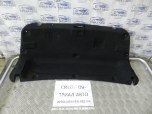 Обшивка крышки багажника на Cruze 2009-2016 г.в.