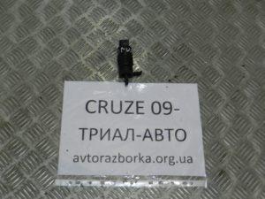 Насос омывателя стекла на Cruze 2009-2016 г.в.