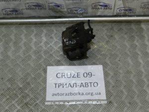 Суппорт передний правый на Cruze 2009-2016 г.в.