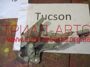 Навес капота на Tucson 2004-2012 г.в.