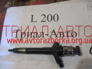 Форсунка топливная на L200 2006-2012 г.в.