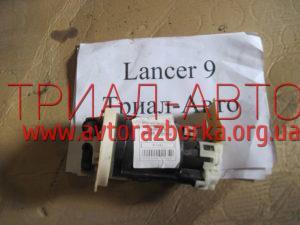 Насос топливный на Lancer 9 2003-2007 г.в.