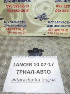 Кнопка стеклоподьемника передняя правая на Lancer 10 2007-2012 г.в.