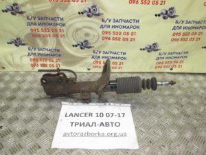 Амортизатор передний правый на Lancer 10 2007-2012 г.в.