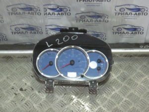 Приборная панель 8100A524 на L200 2006-2012 г.в.