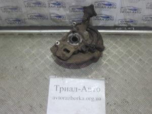 Кулак поворотный со ступицей на L200 2006-2012 г.в.