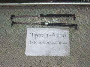 Амортизатор капота на PRADO 120 2003 — 2009 г.в.