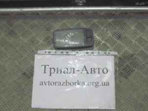 Плафон багажника на Land Cruiser 100 1998 — 2006 г.в.