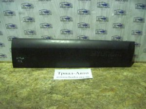 Накладка двери передняя правая на Tucson 2004-2012 г.в.