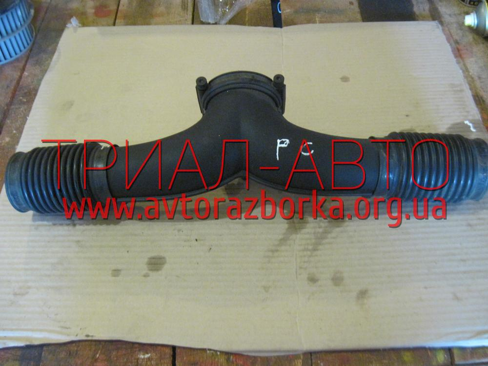 Патрубок корпуса воздушного фильтра на Porsche Cayenne 2003-2009 г.в.