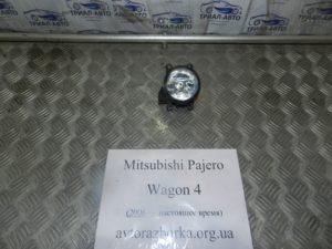 Противотуманка левая 8321A034 на Mitsubishi Pajero Wagon 4