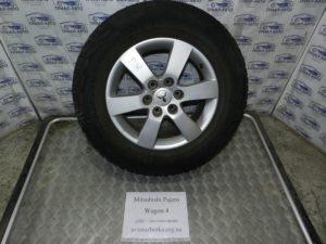 Запаска с резиной R18 на Mitsubishi Pajero Wagon 4