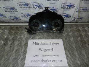 Приборная панель на Mitsubishi Pajero Wagon 4