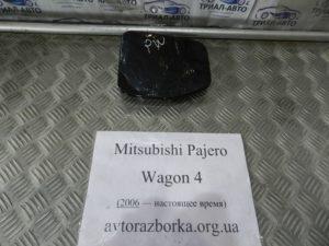 Лючок бензобака на Mitsubishi Pajero Wagon 4