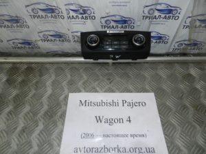 Блок управления кондиционером на Mitsubishi Pajero Wagon 4