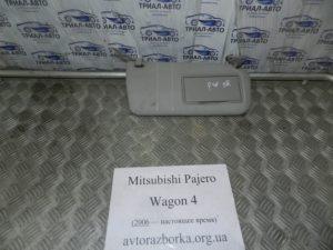 Козырек правый на Mitsubishi Pajero Wagon 4