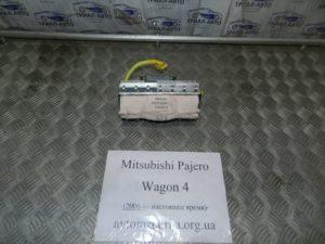 Подушка безопасности в торпеду на Mitsubishi Pajero Wagon 4