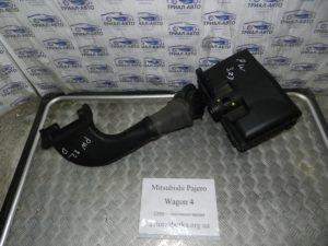 Корпус воздушного фильтра на Mitsubishi Pajero Wagon 4