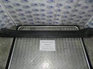 Накладка порога внешняя правая на Mitsubishi Pajero Wagon 4