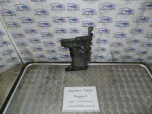 Подкрылок задний левый на Mitsubishi Pajero Wagon 4