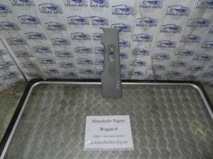 Накладка стойки центральная верхняя левая на Mitsubishi Pajero Wagon 4