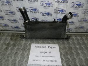 Интеркуллер на Mitsubishi Pajero Wagon 4
