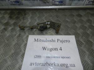 Датчик уровня фар на Mitsubishi Pajero Wagon 4