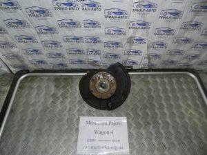 Кулак поворотный передний правый на Mitsubishi Pajero Wagon 4