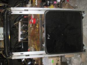 Люк на Mitsubishi Pajero Wagon 4