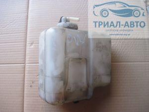 Бачок радиатора на Mitsubishi Pajero Wagon 4