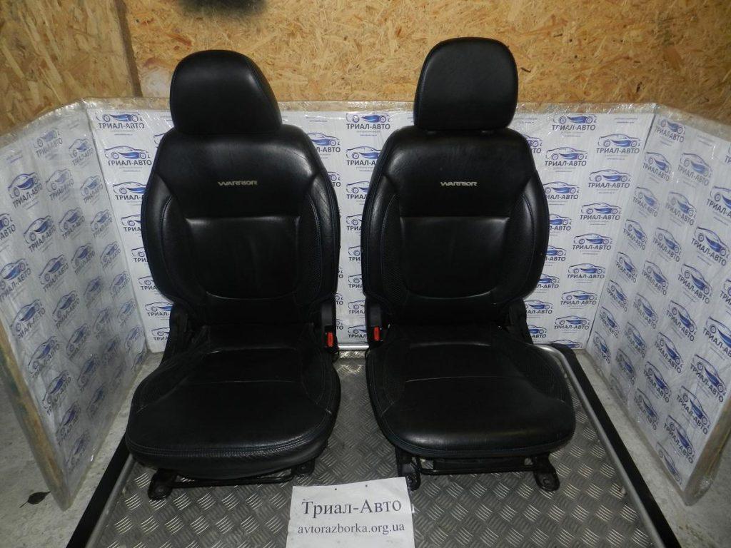 Салон кожаный на Mitsubishi L200