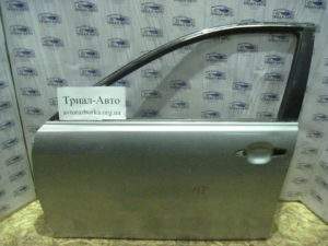 Дверь передняя левая без отверстий на Toyota Camry 40 2006 — 2011