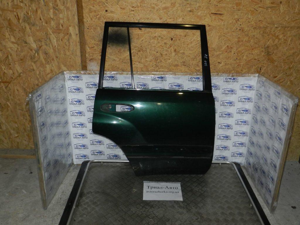 Дверь задняя правая Land Cruiser 100 1998 — 2006