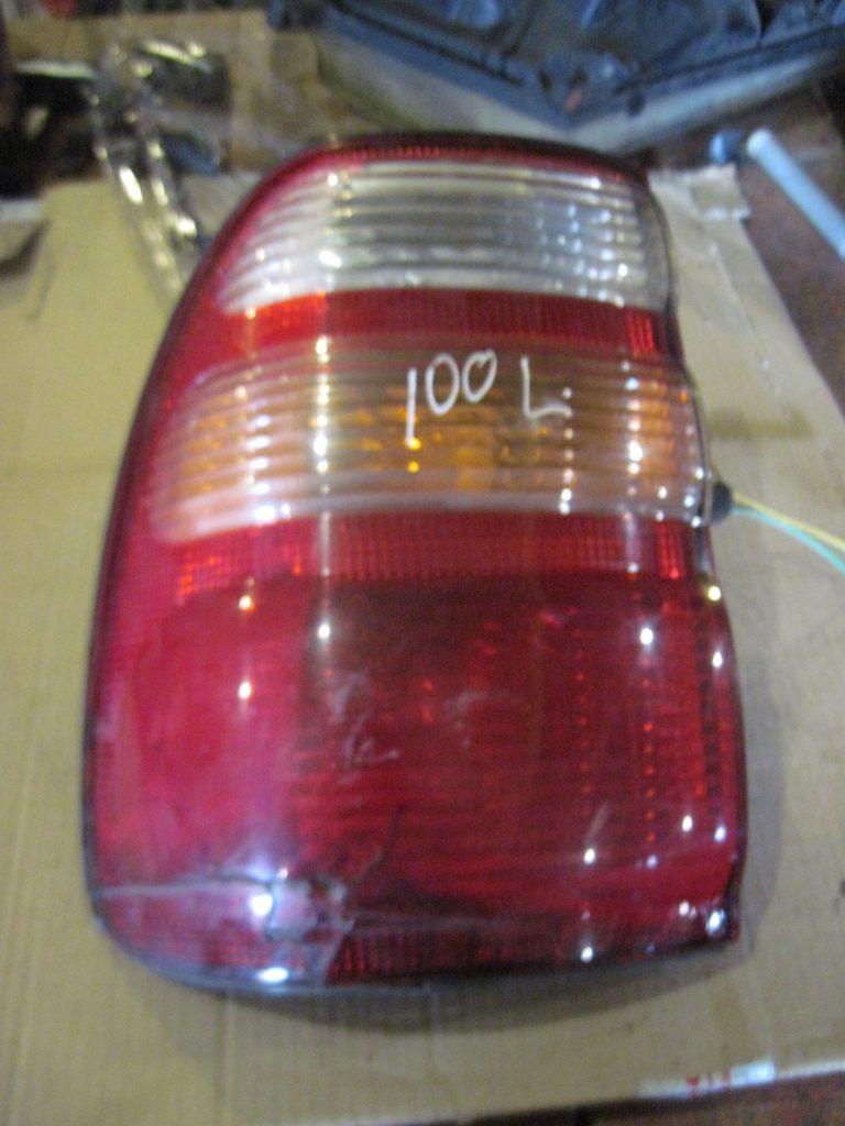 Фонарь внешний левый Land Cruiser 100 1998 — 2006