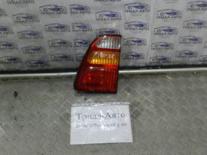 Фонарь внутренний правый Land Cruiser 100 1998 — 2006