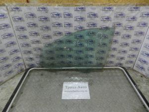 Стекло боковое переднее левое Cayenne 2003-2009