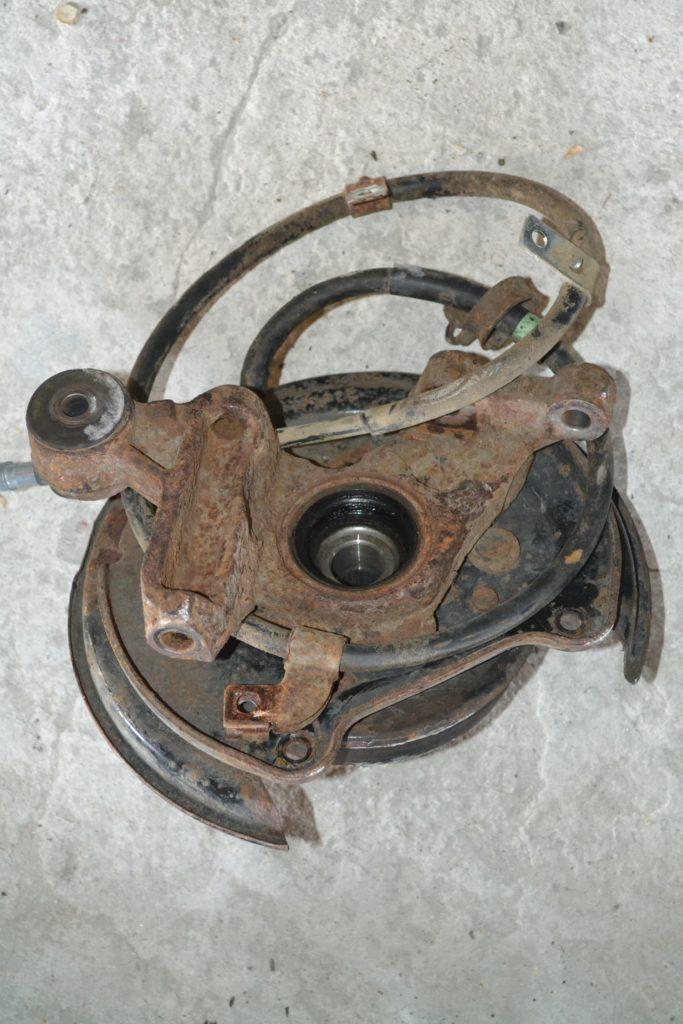цапфа задняя левая. + ступица Forester 2007-2010