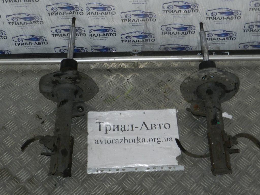 Амортизатор передний левый Qashqai 2006-2013