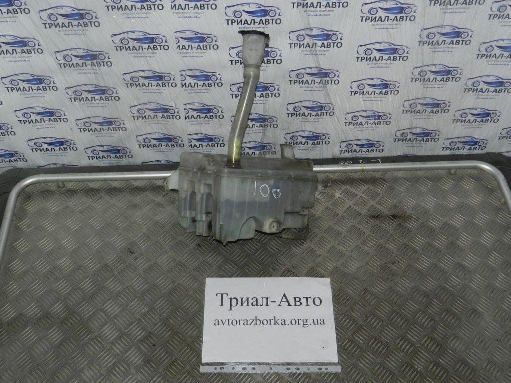 Бачок омывателя Land Cruiser 100 1998-2006