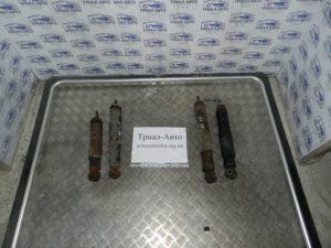 Амортизатор задний левый Land Cruiser 100 1998-2006