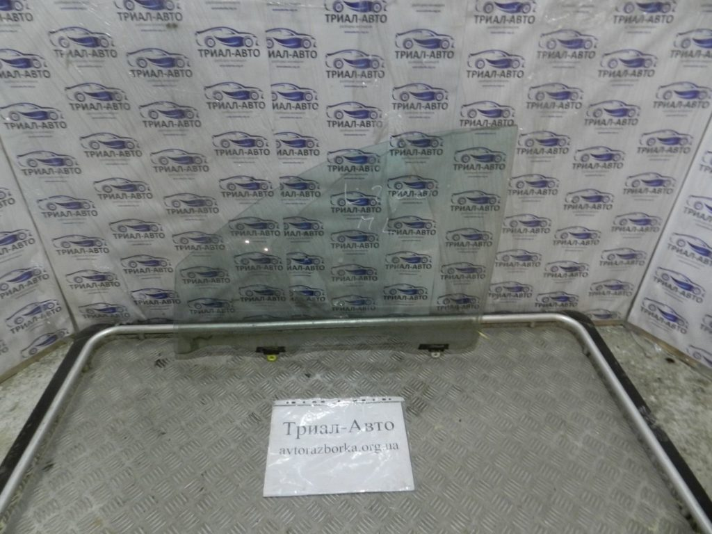 стекло боковое переднее левое  L200 2006-2013