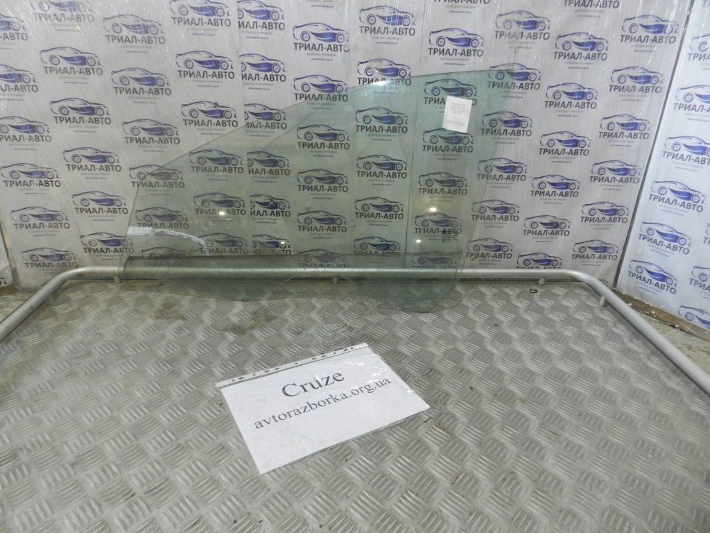стекло боковое передние левое Cruze 2009