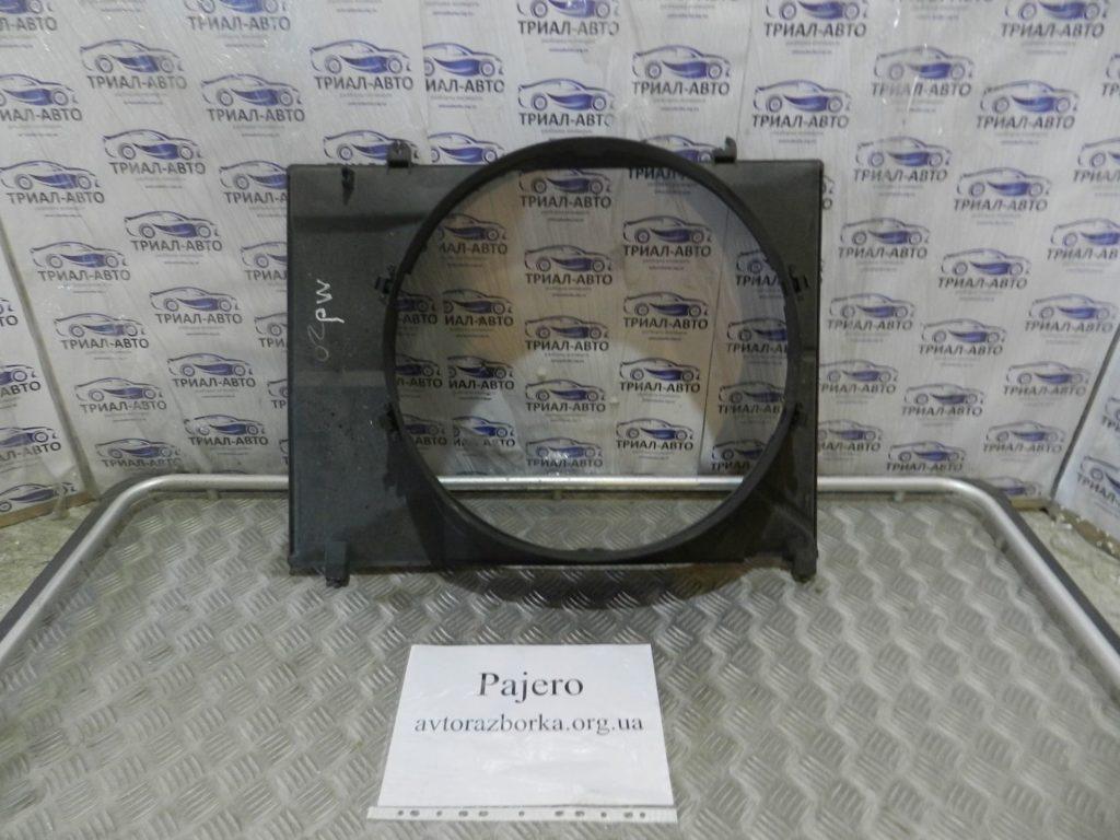 диффузор (рамка)  Pajero Wagon 3,2D 2007-2013