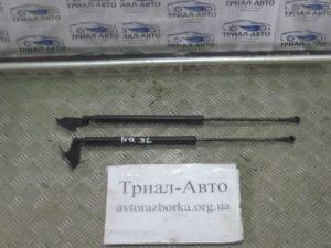 Амортизатор крышка багажника левый Qashqai 2006-2013